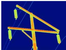使用福禄克 2 倍长焦镜头以图4中的相同距离捕获的相同输电杆图